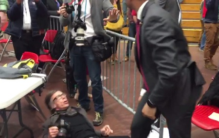 Donald Trump's Secret Service agent choke slams Time magazine reporter at Trump rally.