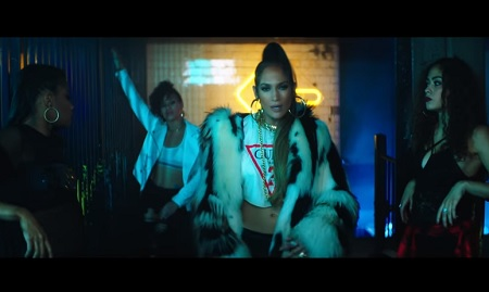 Jennifer Lopez - Ft. Wisin Amor, Amor, Amor (Official Video).